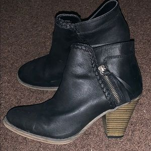 Cute ankle boots with heel